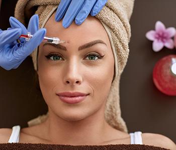 Dr. Amanda Lloyd at Skin & Vein Institute offers Botox treatment in Encinitas, CA