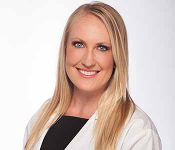 contact Board-Certified dermatologist Dr. Amanda Lloyd and the Skin & Vein Institute in Encinitas, CA.
